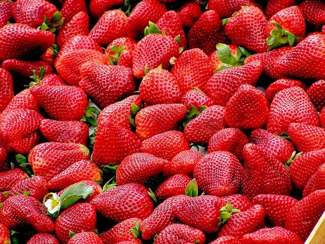 Przetwory z truskawek, czyli musy, dżemy i soki